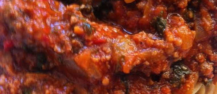 פסטה ברוטב בולונז עשירה בקלי קלות (ראגו בשר וירקות)